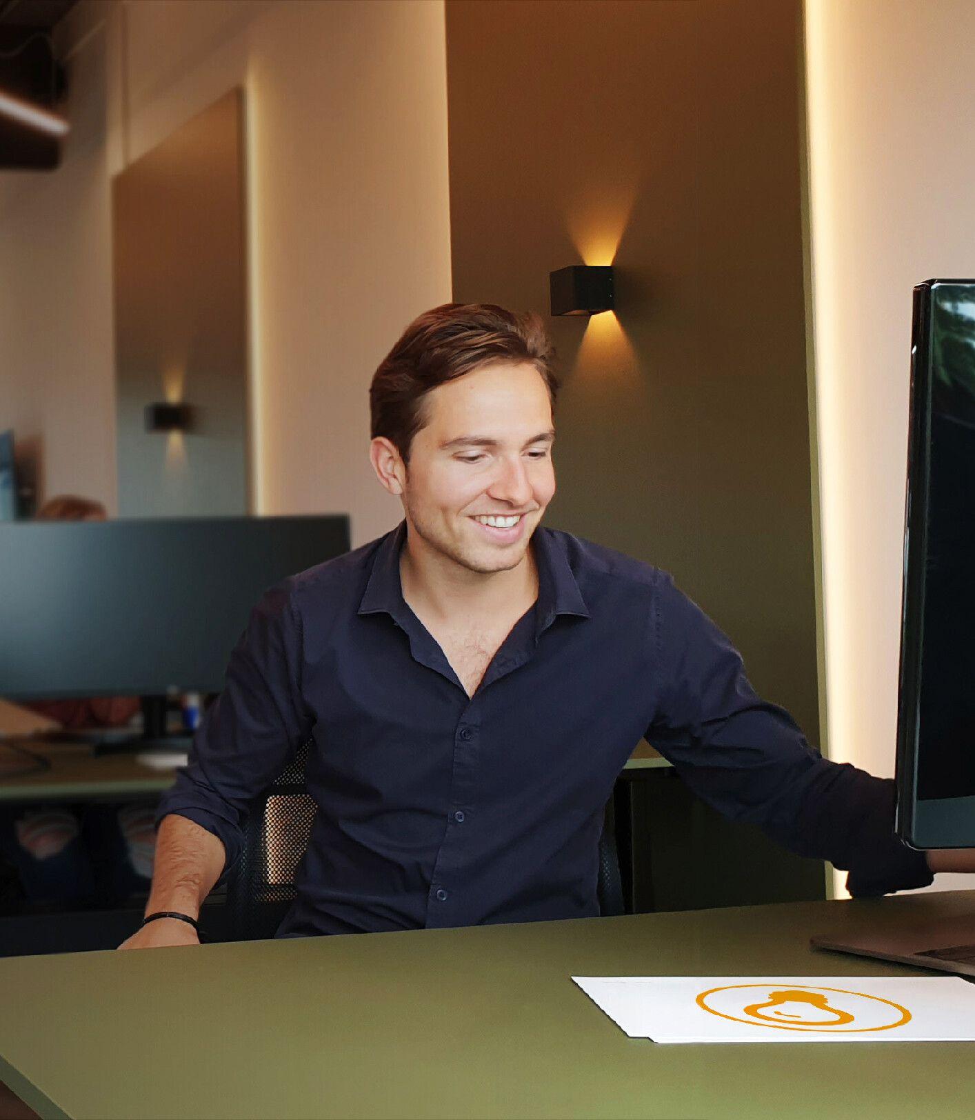 Riley van Loo | Bedrijfsverlichting.nl